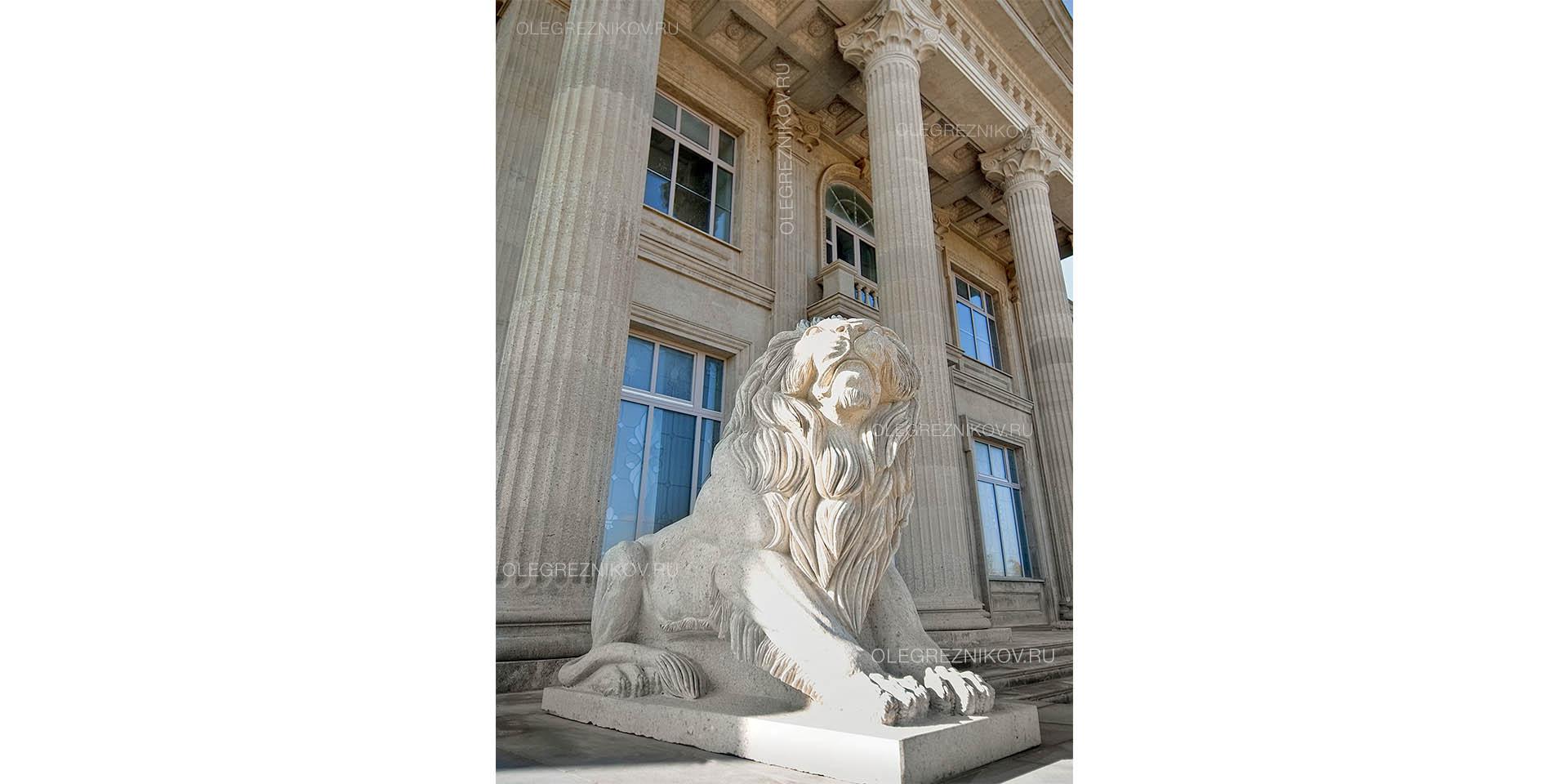Дом со львами. Архитектурная студия Олега Резникова.